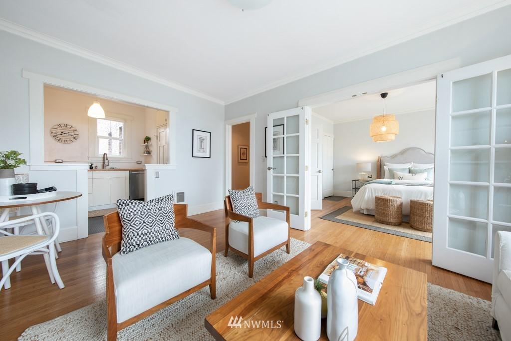 Sold Property | 214 Summit Avenue E #402 Seattle, WA 98102 3