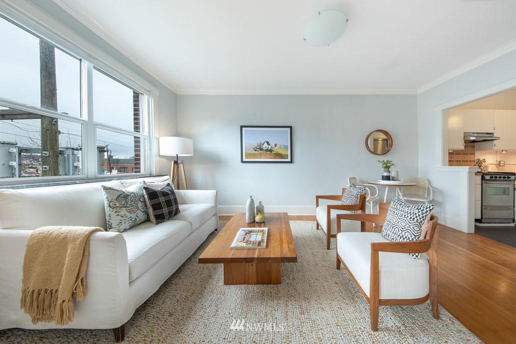 Sold Property | 214 Summit Avenue E #402 Seattle, WA 98102 4