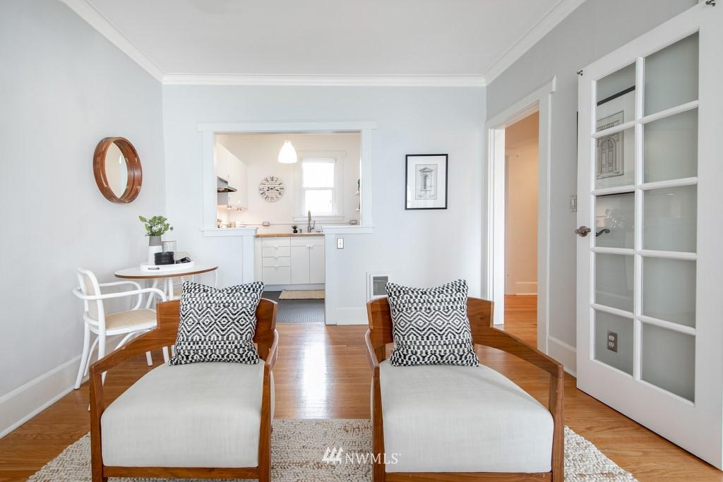 Sold Property | 214 Summit Avenue E #402 Seattle, WA 98102 6