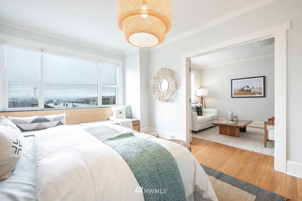 Sold Property | 214 Summit Avenue E #402 Seattle, WA 98102 7