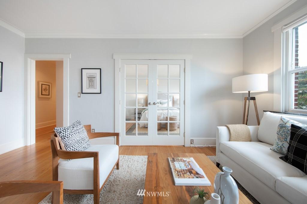 Sold Property | 214 Summit Avenue E #402 Seattle, WA 98102 9