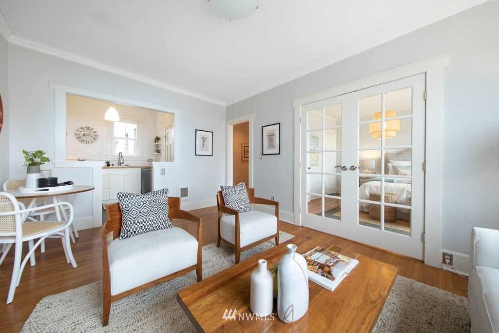 Sold Property | 214 Summit Avenue E #402 Seattle, WA 98102 10