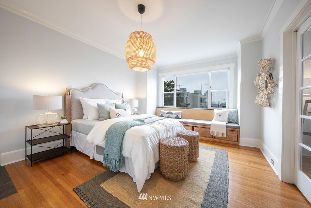 Sold Property | 214 Summit Avenue E #402 Seattle, WA 98102 11