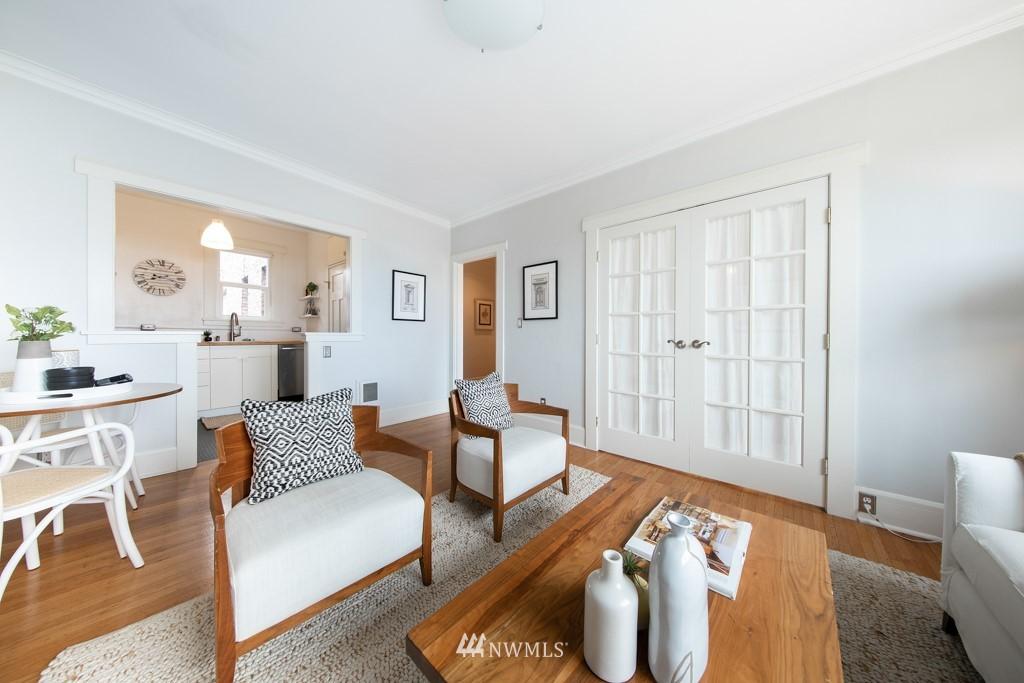 Sold Property | 214 Summit Avenue E #402 Seattle, WA 98102 20