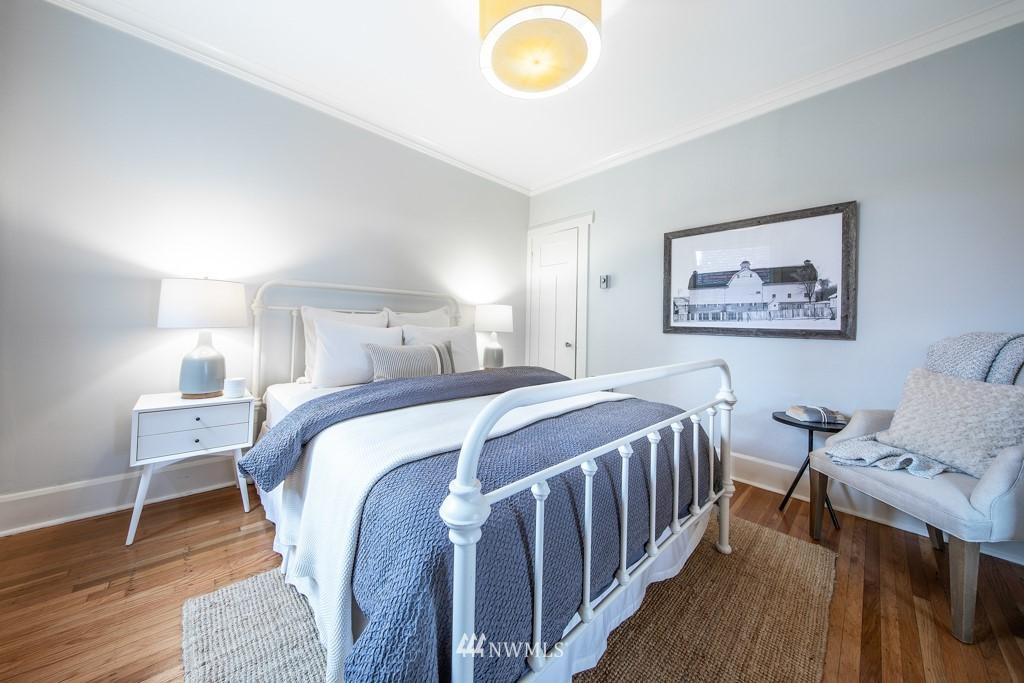 Sold Property | 214 Summit Avenue E #402 Seattle, WA 98102 22