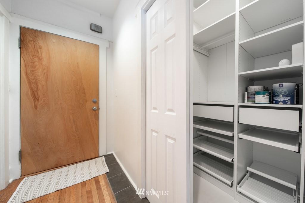Sold Property | 214 Summit Avenue E #402 Seattle, WA 98102 23