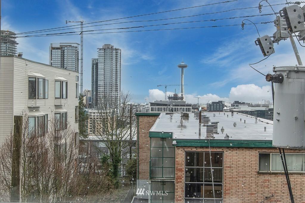 Sold Property | 214 Summit Avenue E #402 Seattle, WA 98102 27