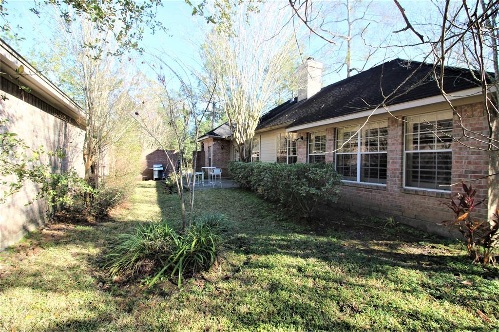 Off Market   30 Vista Cove Circle The Woodlands, Texas 77381 14