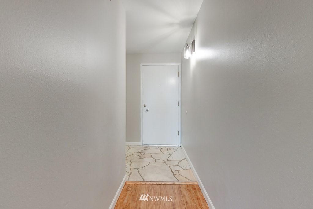 Sold Property   11515 Greenwood Avenue N #F Seattle, WA 98133 4