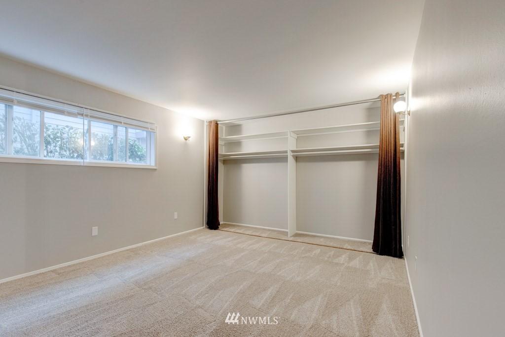 Sold Property   11515 Greenwood Avenue N #F Seattle, WA 98133 6
