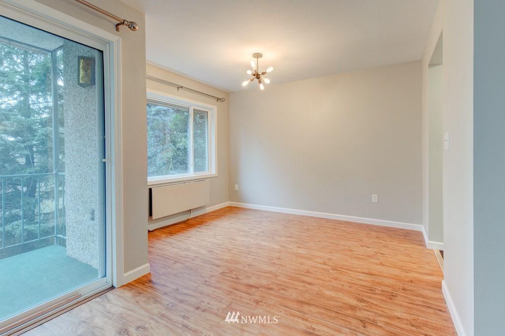 Sold Property   11515 Greenwood Avenue N #F Seattle, WA 98133 8