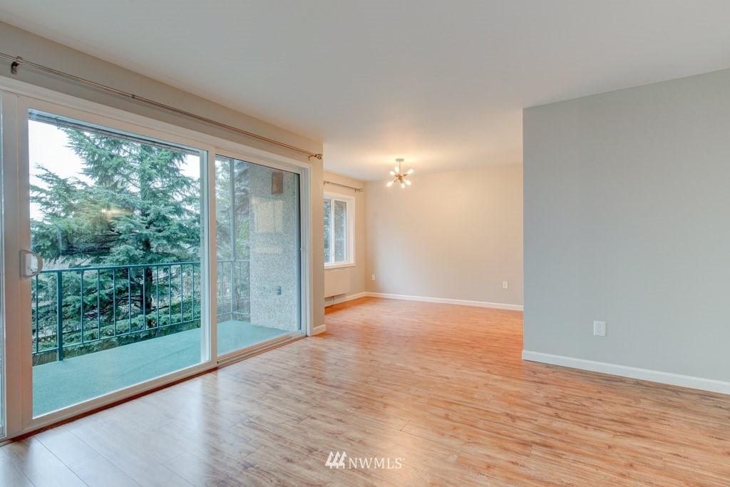 Sold Property   11515 Greenwood Avenue N #F Seattle, WA 98133 12