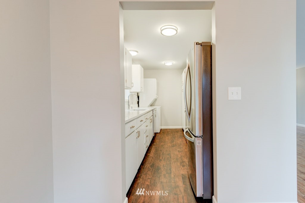 Sold Property   11515 Greenwood Avenue N #F Seattle, WA 98133 24