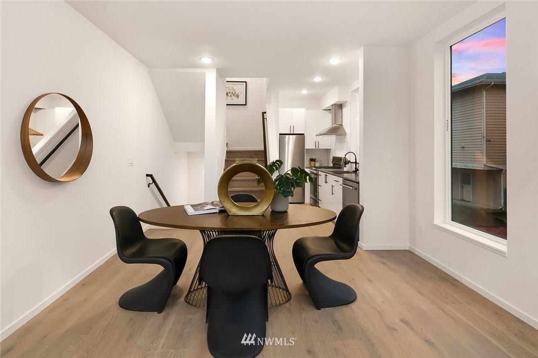 Sold Property   2610 E Yesler Way Seattle, WA 98122 8