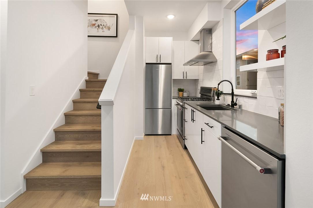 Sold Property   2610 E Yesler Way Seattle, WA 98122 9