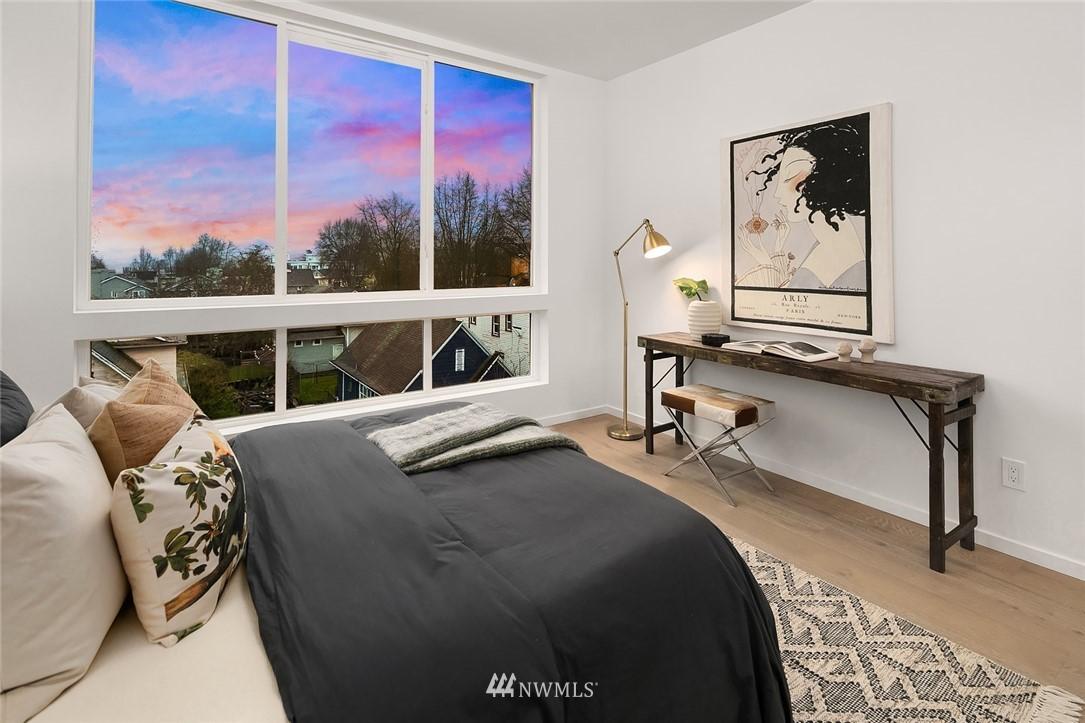 Sold Property   2610 E Yesler Way Seattle, WA 98122 13