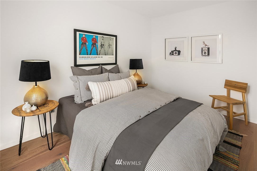 Sold Property   2610 E Yesler Way Seattle, WA 98122 16