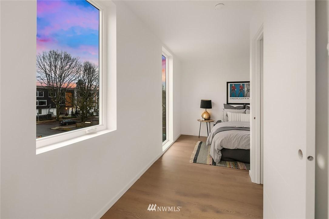 Sold Property   2610 E Yesler Way Seattle, WA 98122 19
