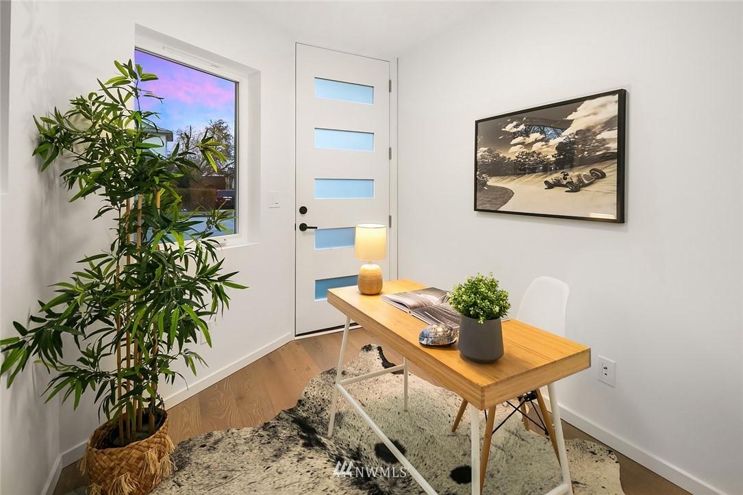 Sold Property   2610 E Yesler Way Seattle, WA 98122 20