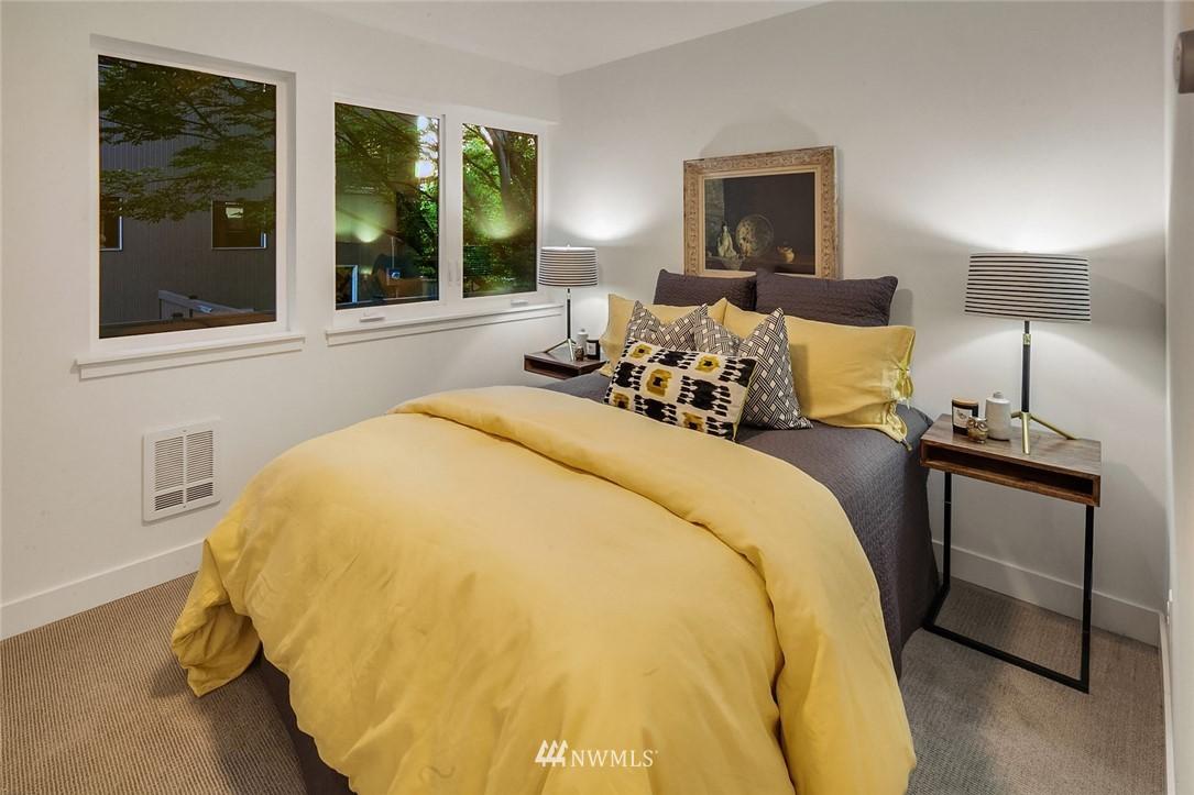 Sold Property   2361 Minor Avenue E #G Seattle, WA 98102 14