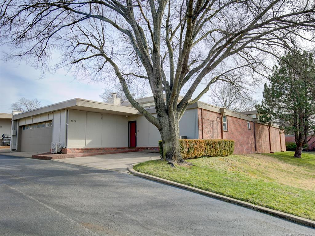 Active   2424 E 72nd Place #4-A-1 Tulsa, Oklahoma 74136 3
