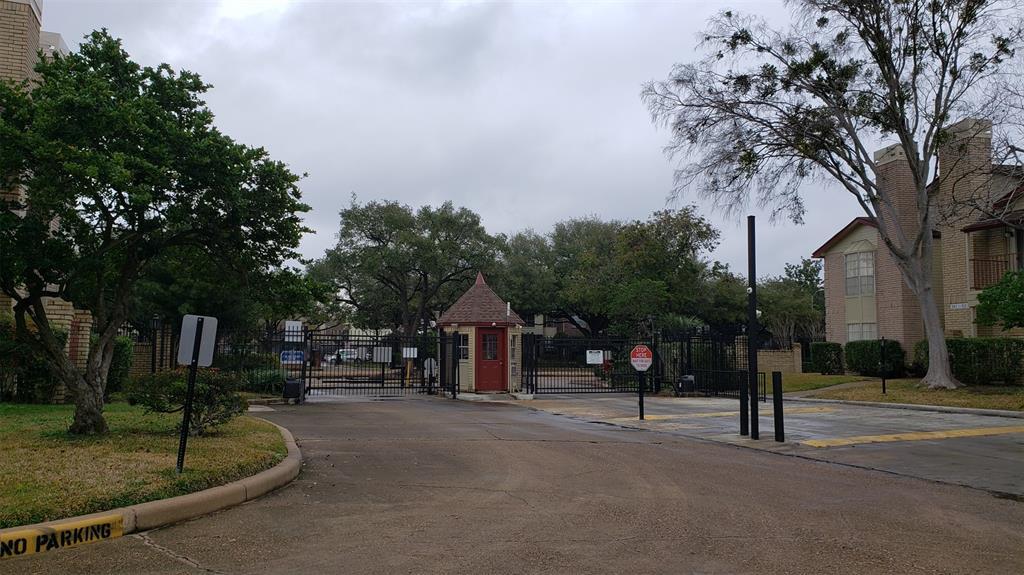 Option Pending | 2120 El Paseo Street #103 Houston, Texas 77054 30