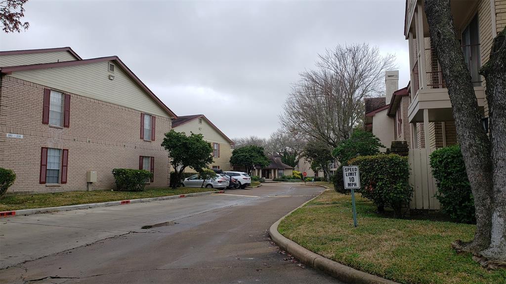 Option Pending | 2120 El Paseo Street #103 Houston, Texas 77054 31