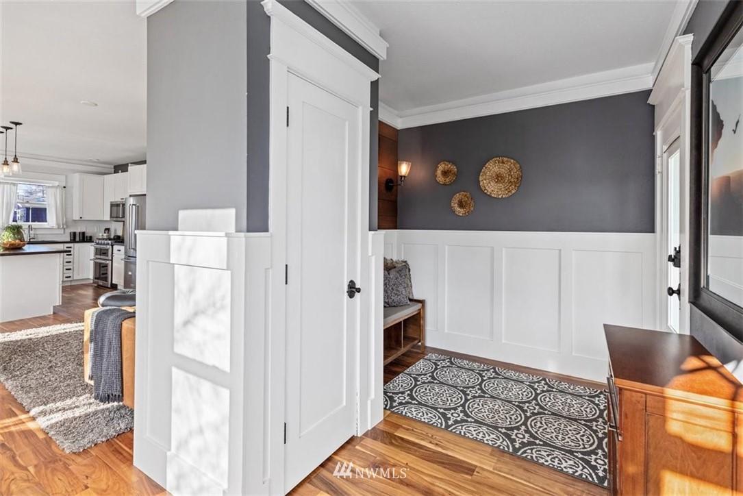 Sold Property | 6021 48th Avenue SW Seattle, WA 98136 5