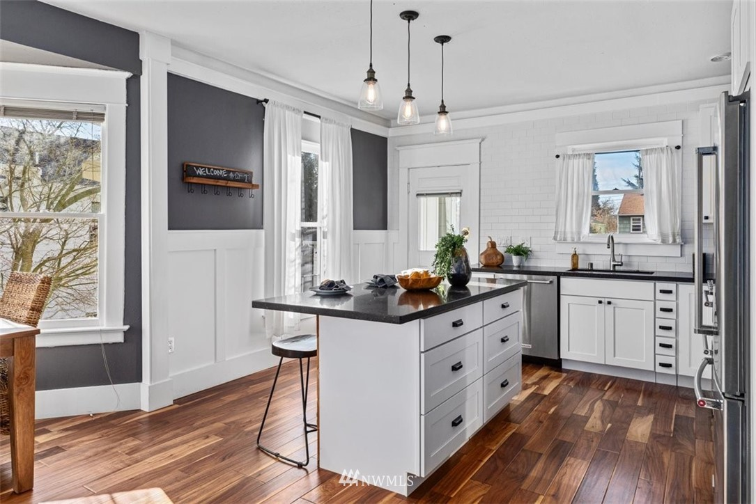 Sold Property | 6021 48th Avenue SW Seattle, WA 98136 12
