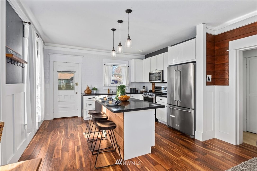 Sold Property | 6021 48th Avenue SW Seattle, WA 98136 13