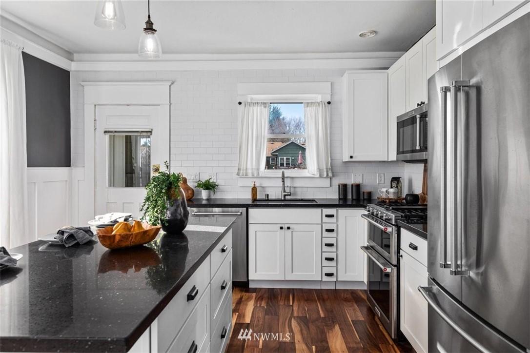 Sold Property | 6021 48th Avenue SW Seattle, WA 98136 15