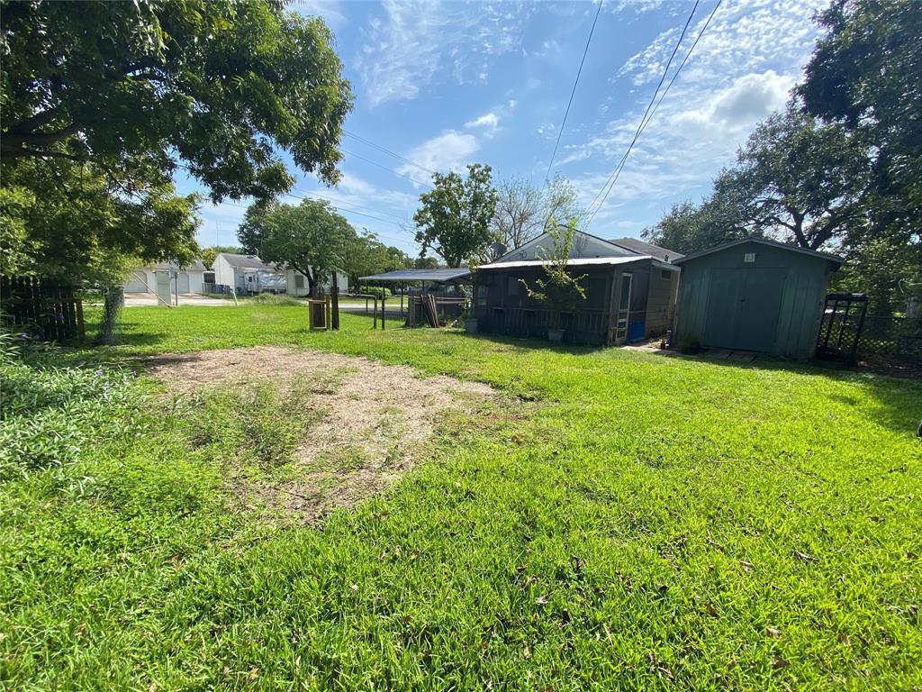 Homes for sale in Texas City    404 19th Avenue N Texas City, Texas 77590 15