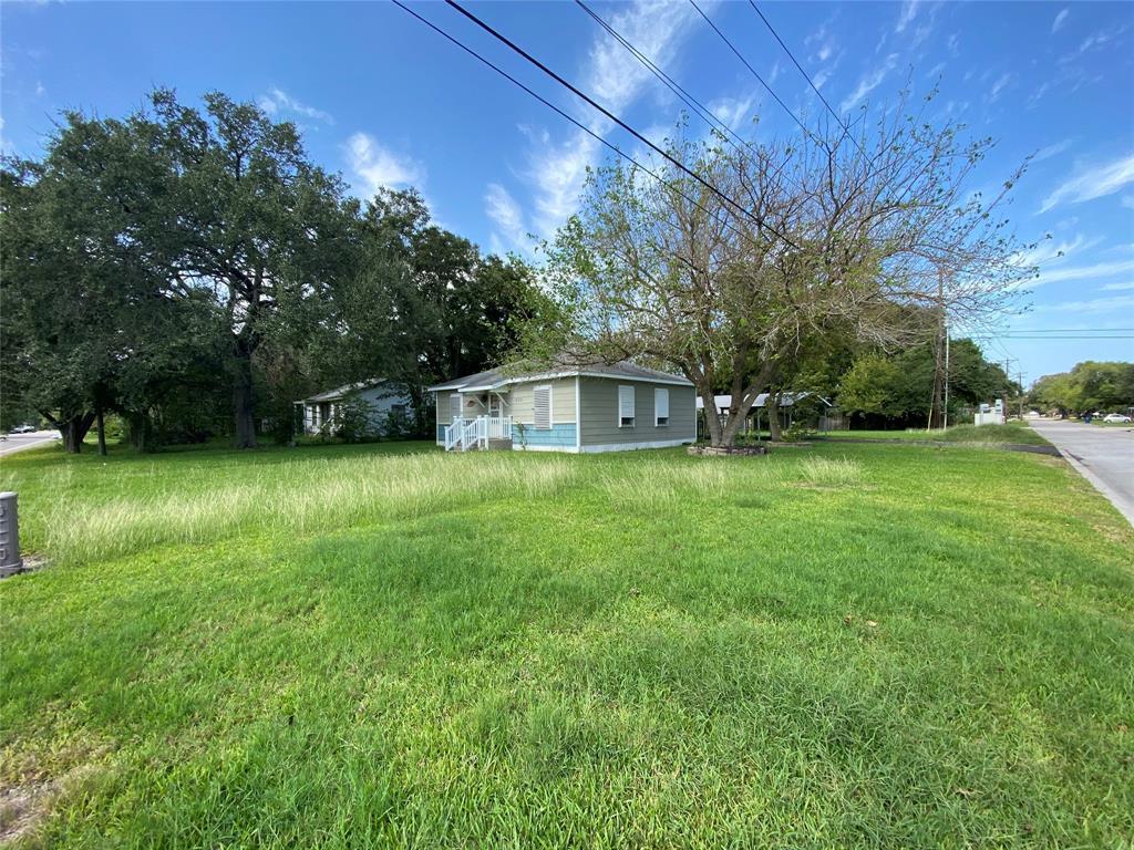 Homes for sale in Texas City    404 19th Avenue N Texas City, Texas 77590 16