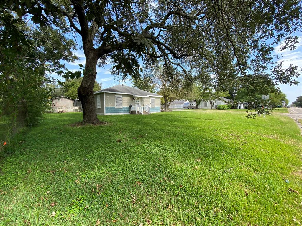 Homes for sale in Texas City    404 19th Avenue N Texas City, Texas 77590 17