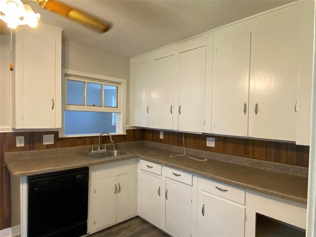 Homes for sale in Texas City    404 19th Avenue N Texas City, Texas 77590 7