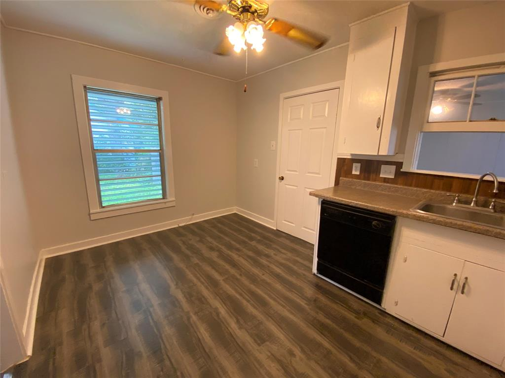 Homes for sale in Texas City    404 19th Avenue N Texas City, Texas 77590 8