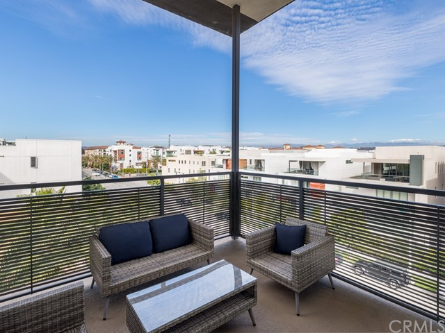 Active | 5837 Village Drive #6 Playa Vista, CA 90094 28