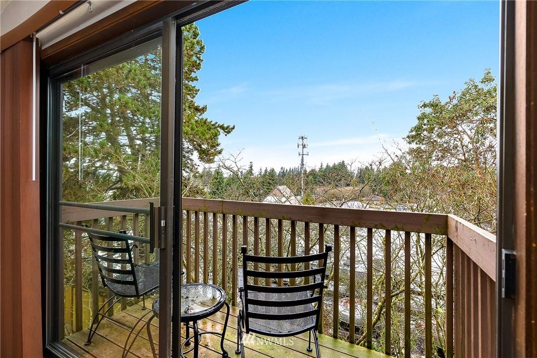 Sold Property   19725 76th Avenue W #6B Lynnwood, WA 98036 7