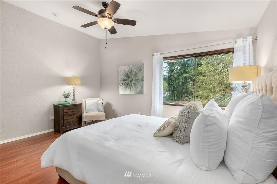 Sold Property   19725 76th Avenue W #6B Lynnwood, WA 98036 14