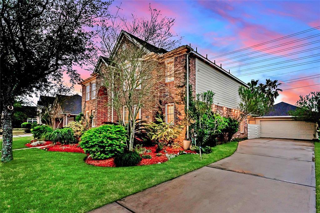 Off Market | 12506 Boulder Creek Drive Pearland, Texas 77584 2