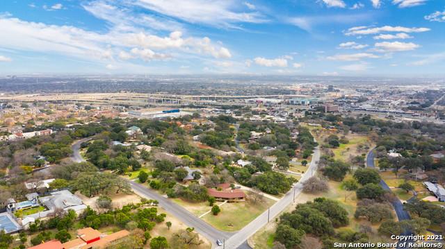 Pending   7010 Oakridge Dr San Antonio, TX 78229 36