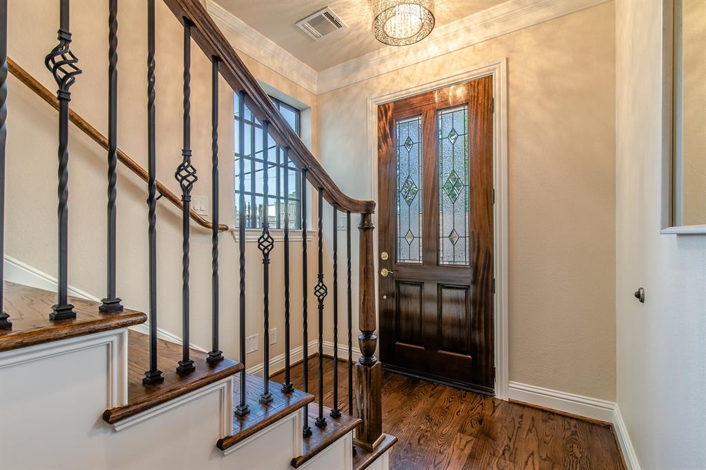 Luxury 3-Story Home in Spring Branch   7223 Janet Street Houston, Texas 77055 12