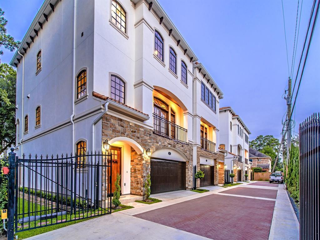 Luxury 3-Story Home in Spring Branch   7223 Janet Street Houston, Texas 77055 30
