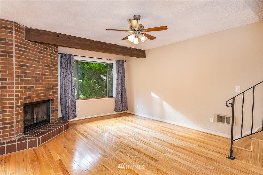 Sold Property | 19215 40th Avenue W #C6 Lynnwood, WA 98036 2