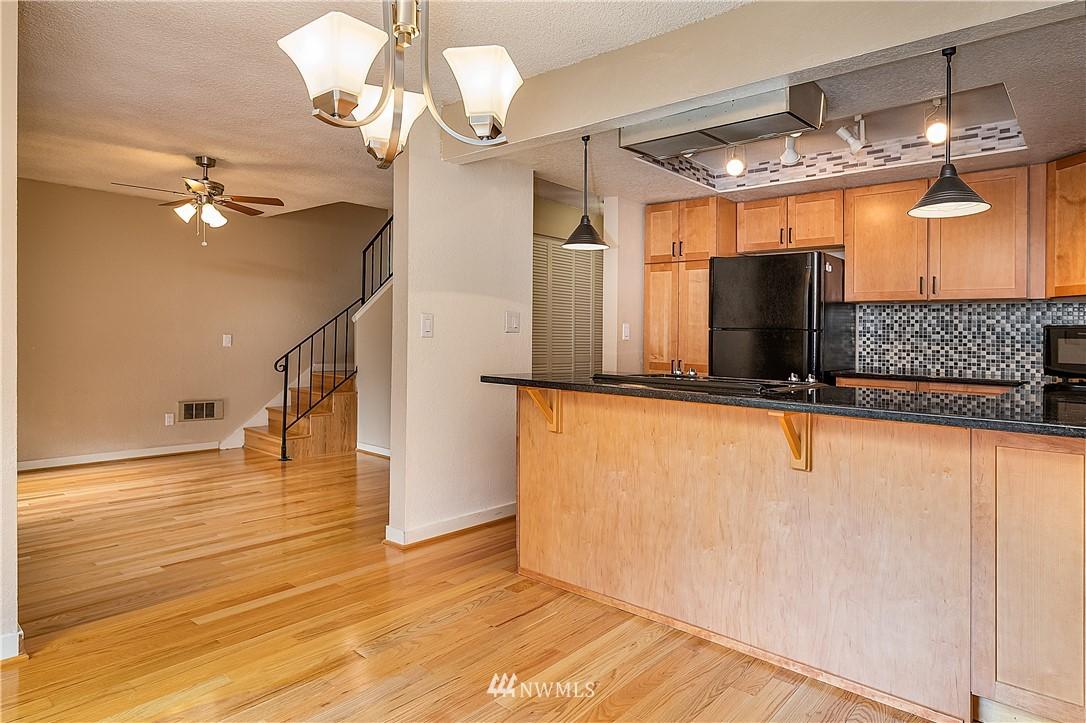 Sold Property | 19215 40th Avenue W #C6 Lynnwood, WA 98036 5
