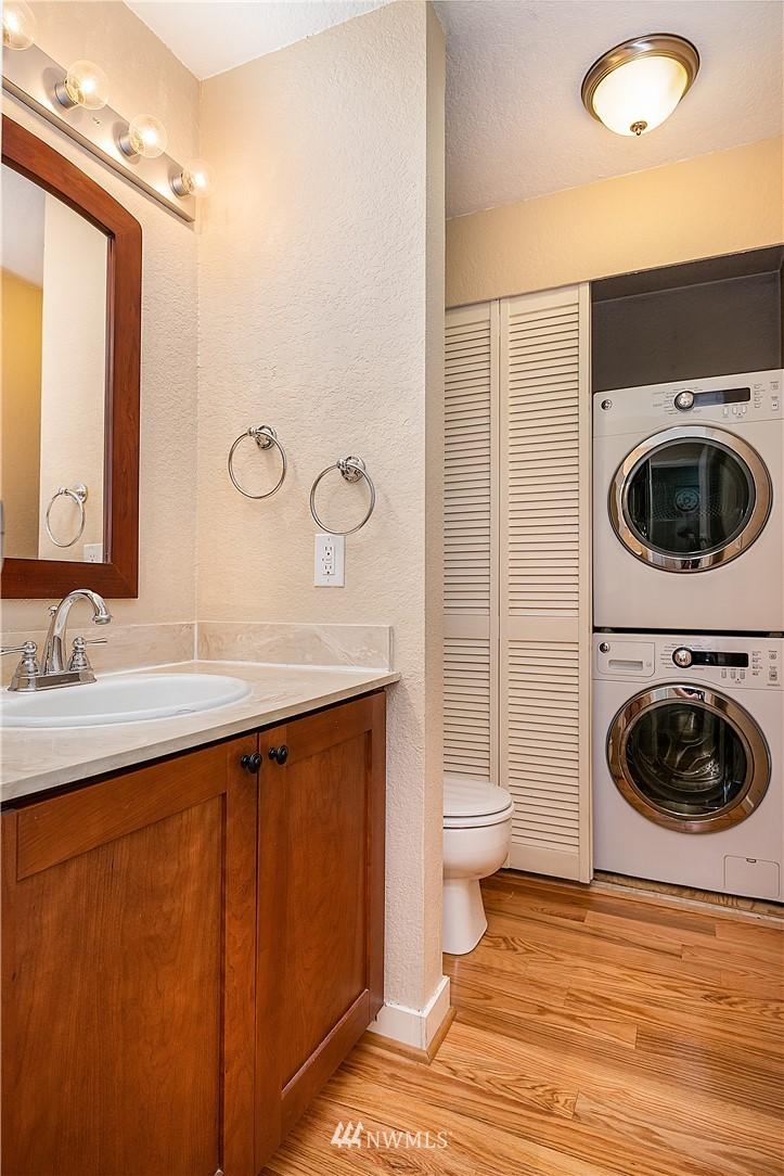 Sold Property | 19215 40th Avenue W #C6 Lynnwood, WA 98036 8