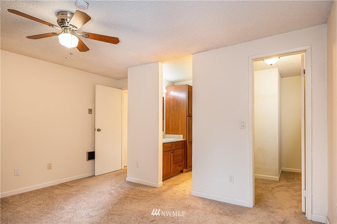 Sold Property | 19215 40th Avenue W #C6 Lynnwood, WA 98036 10