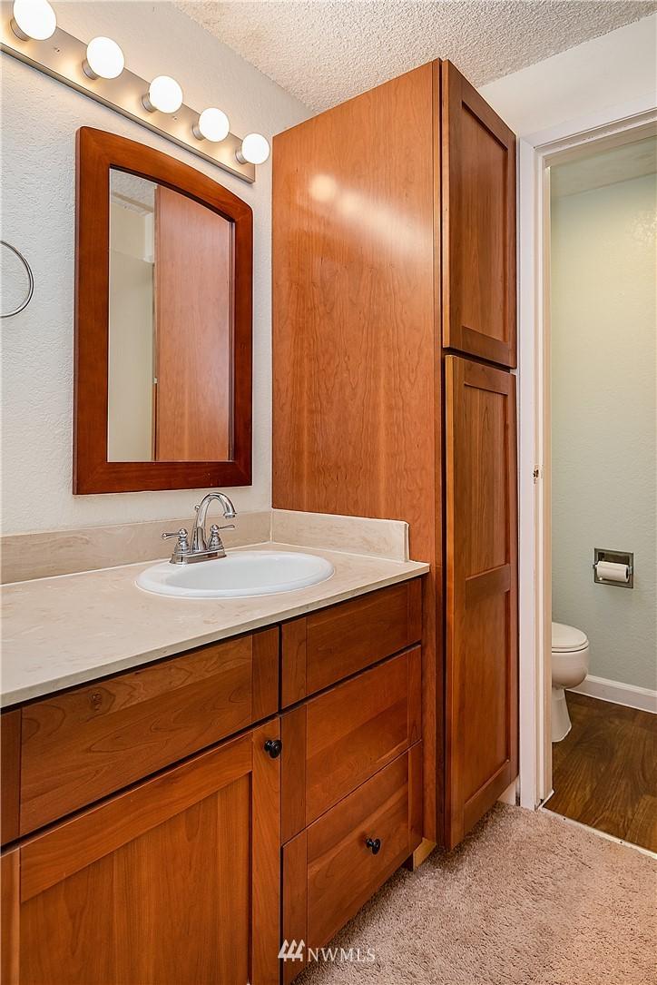 Sold Property | 19215 40th Avenue W #C6 Lynnwood, WA 98036 11