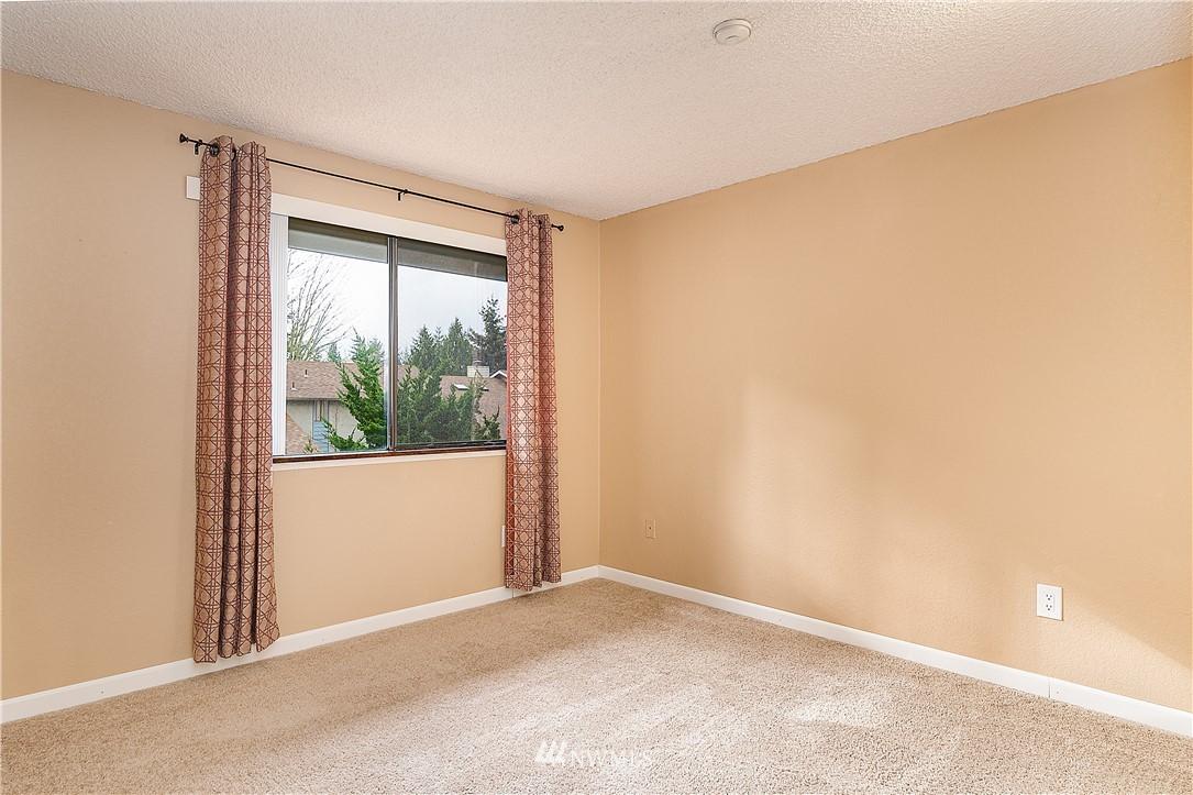 Sold Property | 19215 40th Avenue W #C6 Lynnwood, WA 98036 13