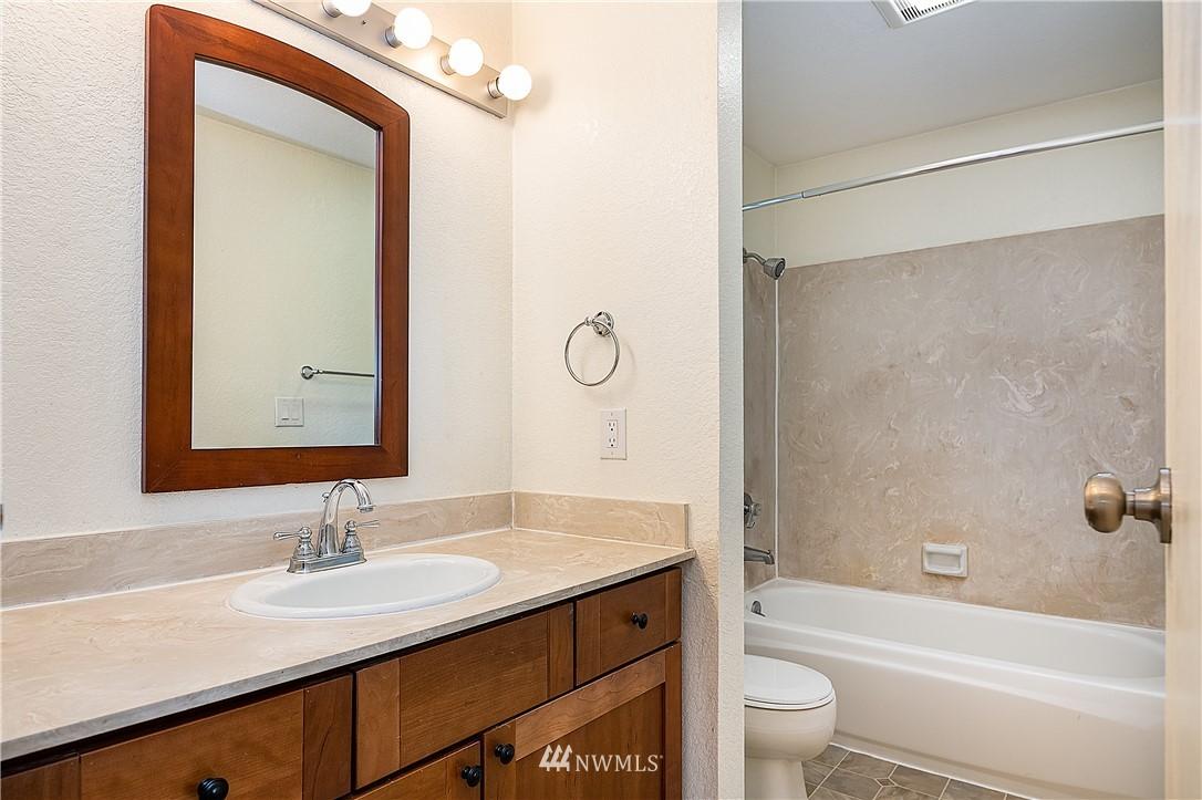 Sold Property | 19215 40th Avenue W #C6 Lynnwood, WA 98036 16